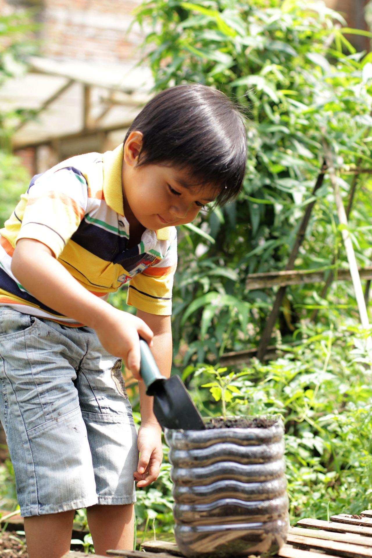 Gartenarbeit für Kinder