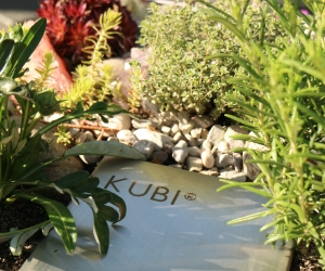 KUBI Design Hochbeet mit Kompostierung und Bewässerung für Balkone und Terrassen